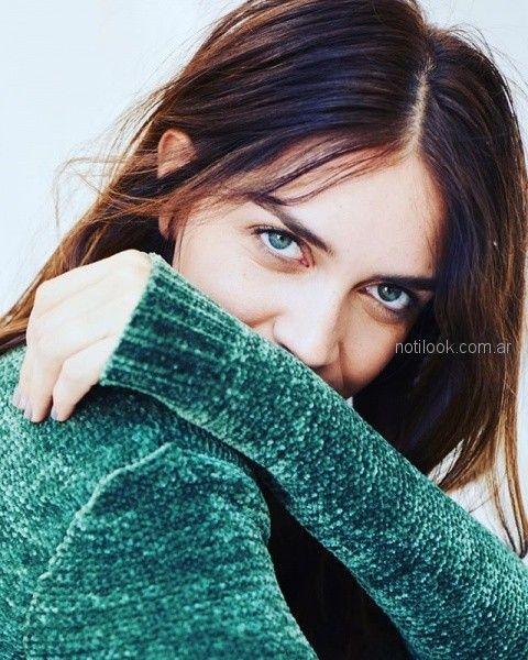 Zaira Nara Sweater verde System Basic invierno 2018