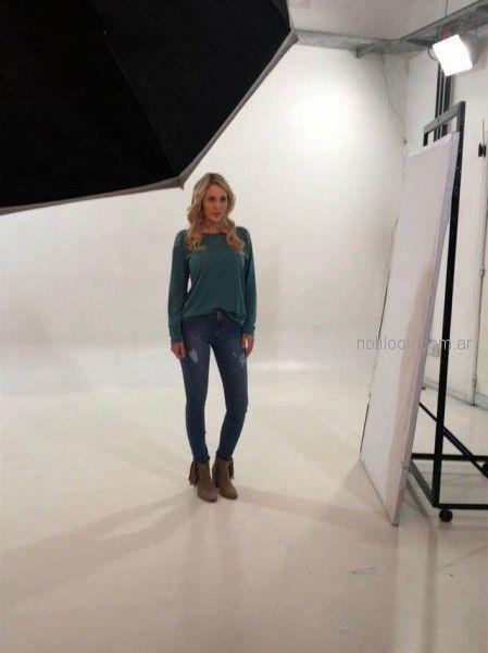 sweater de lanilla y jeas con roturas okoche otoño invierno 2018