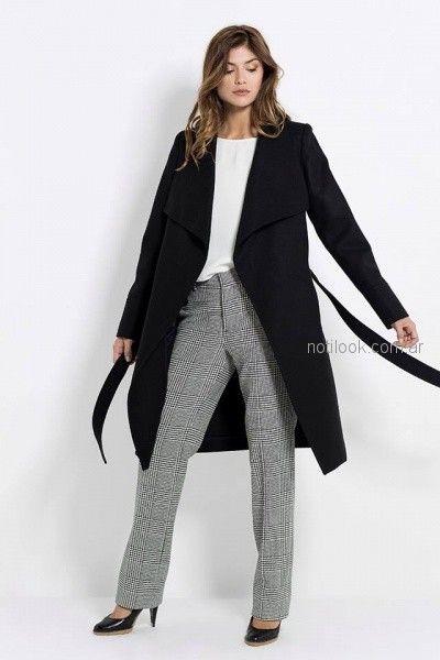 pantalon a cuadros gris con saco negro de largo medio Activity Pret a Porter otoño invierno 2018