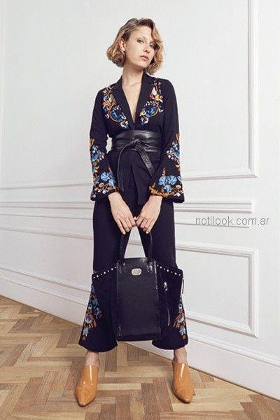 saco kimono y pantalon oxford bordado floral con hilo uma otoño invierno 2018