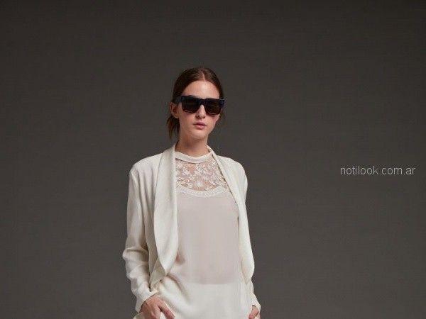 blusa blanca con recorte de encaje Awada otoño invierno 2018