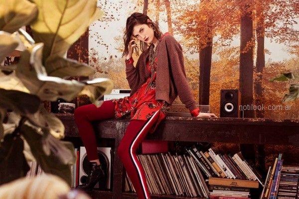 calza bordo con mamisa estampada y cardigan de lana India style otoño invierno 2018