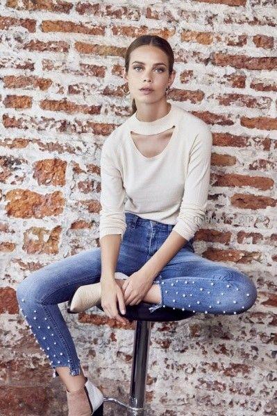 jeans con aplique de perlas ossira invierno 2018