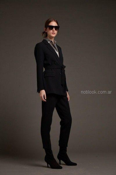 traje para mujer con pantalon chupin Awada otoño invierno 2018