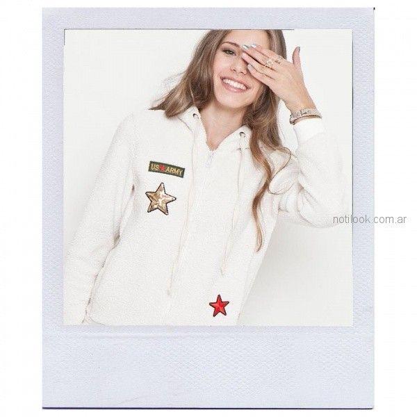 campera blanca adolescentes mujer con apliques bordados en hilos Combustion Love invierno 2018