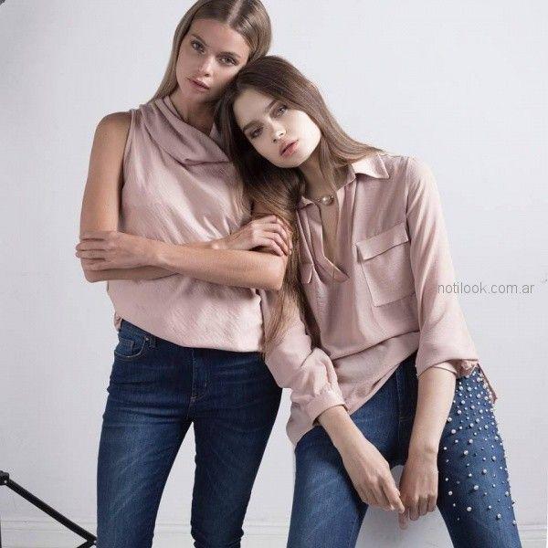 jeans con aliques de perla y remeras rosa palido Marcela ¨Pagella otoño invierno 2018