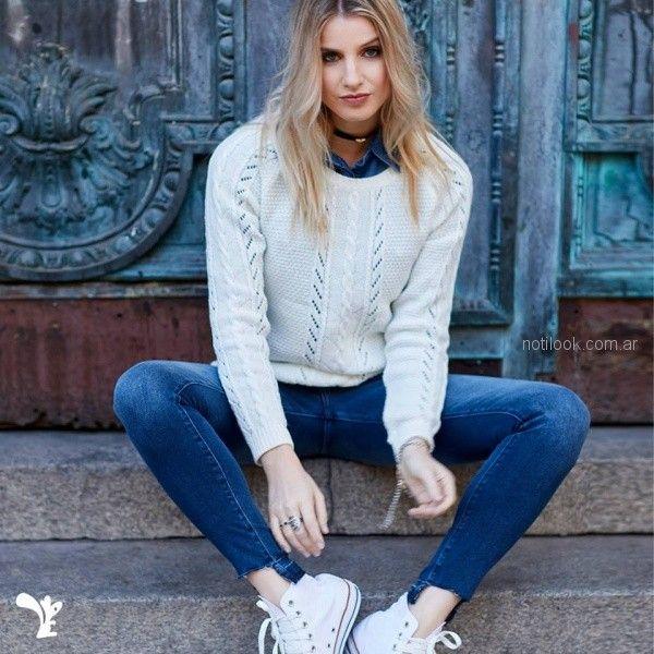 pantalones y camisa denim con buzo de lana mujer Scombro jeans invierno 2018