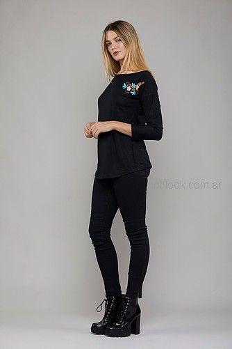 remera mangas largas mujer con aplique bordado Kodo jeans invierno 2018