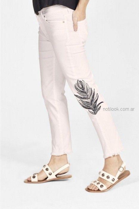 chupin blanco con pluma rapsodia blusa de seda con cintas estilo guarda Rapsodia primavera verano 2019