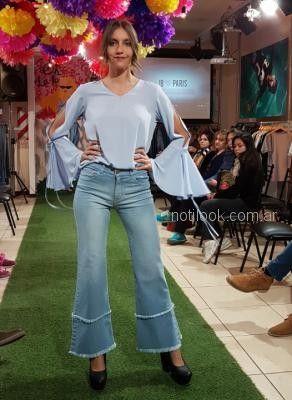 Look Con Jeans Oxford Abstracta Primavera Verano 2019 Notilook Moda Argentina