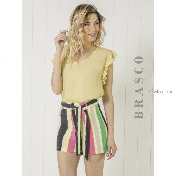 short a rayas con lazo y blusa amarilla brasco verano 2019