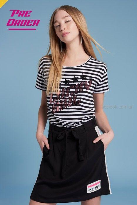 remera a rayas con lentejuelas y minifalda algodon con lazo Agustina Saquer verano 2019