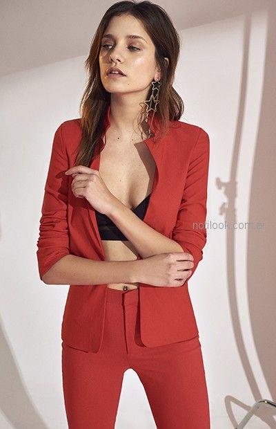 traje entallado elastizado juvenil mujer Delaostia primavera verano 2019