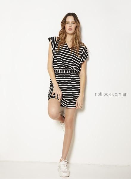 vestido corto a rayas informal Nucleo primavera verano 2019