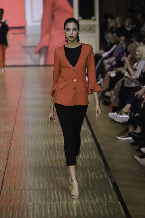 blazer liviano para señora Adriana Costantini primavera verano 2019