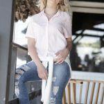 camisa blanc mangas cortas con jeans Doll Fins verano 2019