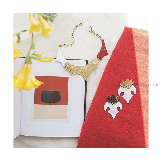 collar corto dorado y rojo Mechi garay verano 2019