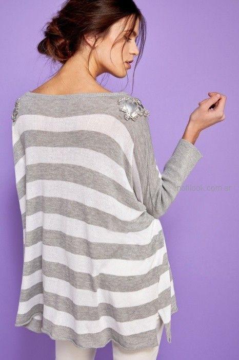 sweater a rayas con aplique plateado Millie primavera verano 2019