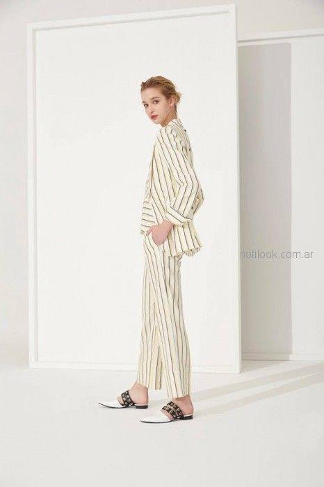 traje de mujer a rayas Carmela Achaval primavera verano 2019