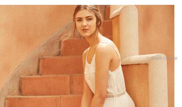 vestido blanco de bambula con puntila Julien verano 2019