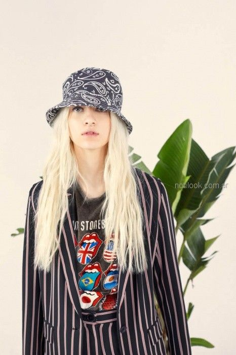 traje de mujer a rayas complot verano 2019