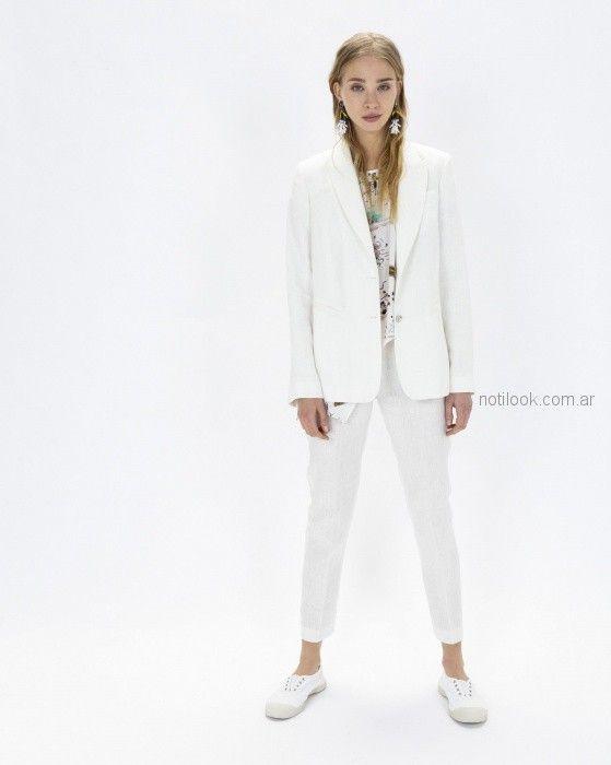 traje de mujer con pantalon chupin blanco Graciela Naum verano 2019 (2) acd5a5a08184