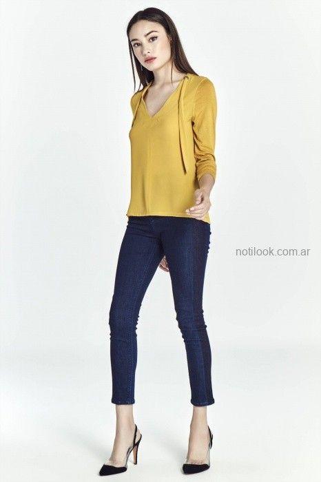 Blusa amarilla con jeans Look oficina invierno 2019 - Markova