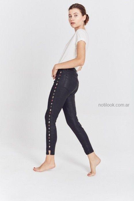 jeans engomado con apliques invierno 2019 by Rapsodia