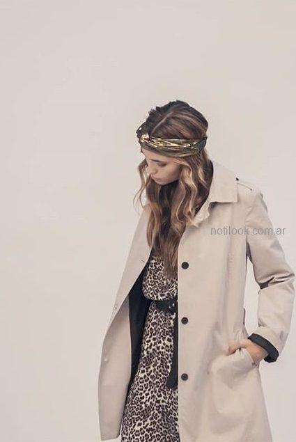 vestido animal print y tapado beige try Me invierno 2019