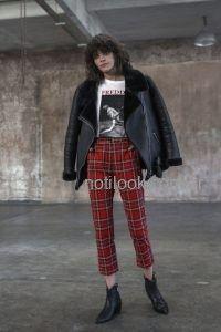 pantalon a cuadros y campera de cuero con abrigo St marie invierno 2019