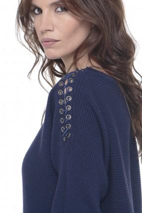 sweater acordonado en hombro nuss Tejidos invierno 2019