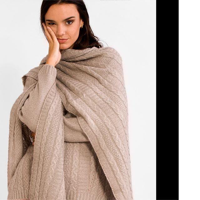 Ruanas tejida en lana mujer Agustina sar invierno 2019