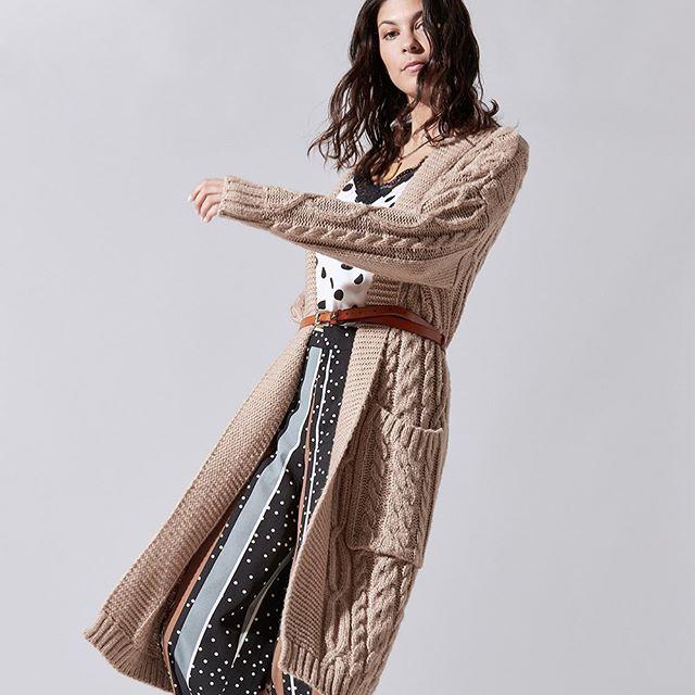 cardigan largo tejido en lana India Style invierno 2019