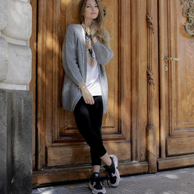 look casual con cardigan de lana largo India Style invierno 2019