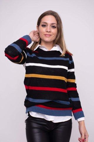 look casual con pantalon de cuero y buzo lana arizona invierno 2019