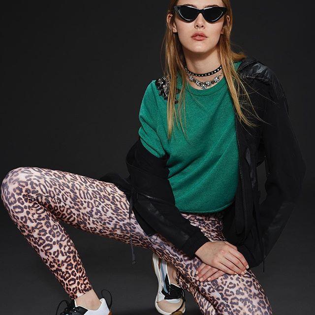 look juvenil con calza animal print Delaostia invierno 2019