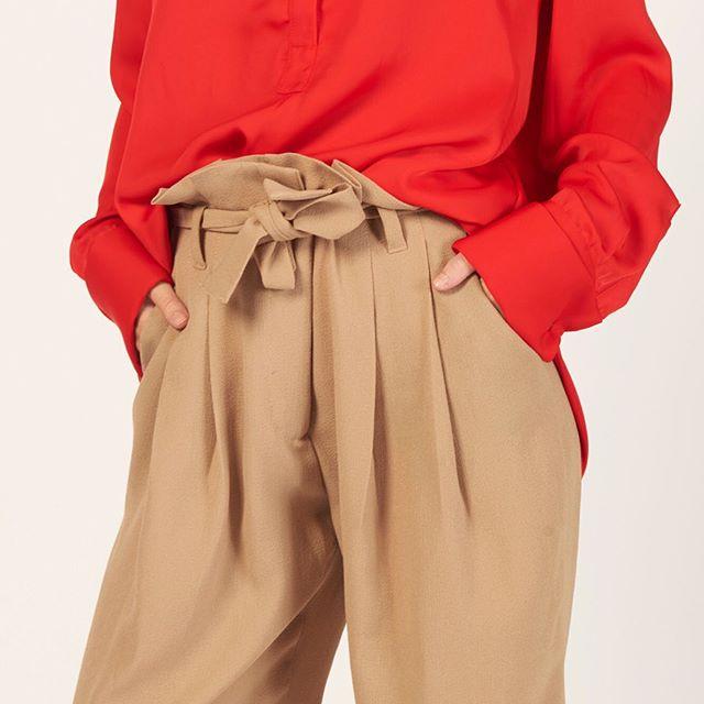 pantalon plisado mujer Mancini invierno 2019