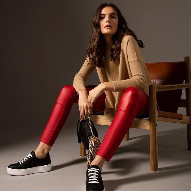 pantalon rojo engomado look casual legacy mujer invierno 2019
