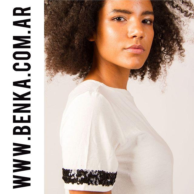 remera con aplique de lentejuela juvenil mujer Benka invierno 2019
