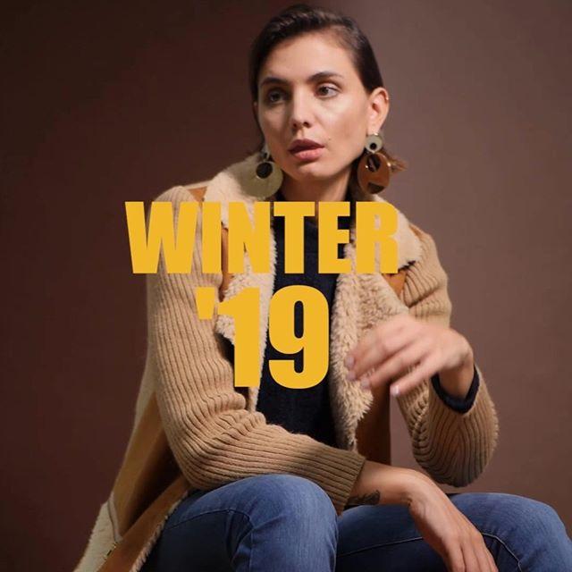 saco tejido con cuello de corderito Edel Erra invierno 2019
