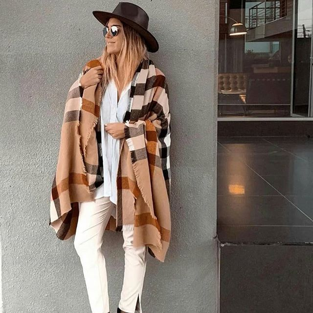 sombrero de cuero mujer look Compañia de sombreros invierno 2019