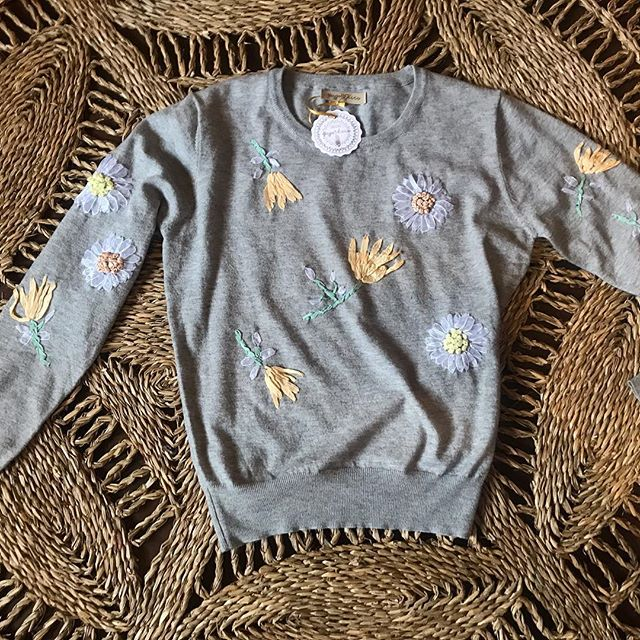 sweater bordado boho chic Pago Chico invierno 2019