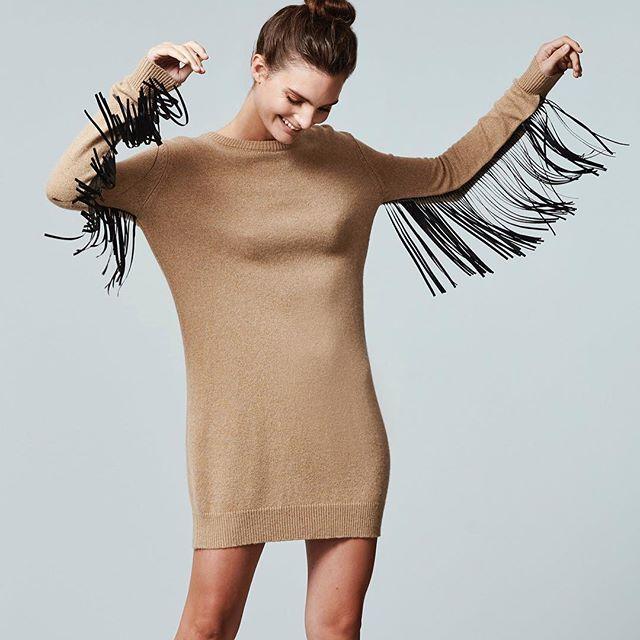 vestido sweater largo con flecos Paula Cahen D Anvers invierno 2019