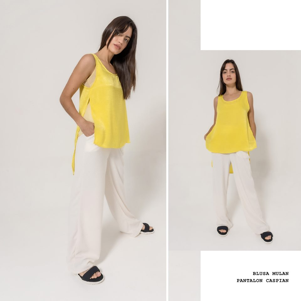 look juvenil mujer con palazzo blanco La cofradia verano 2020