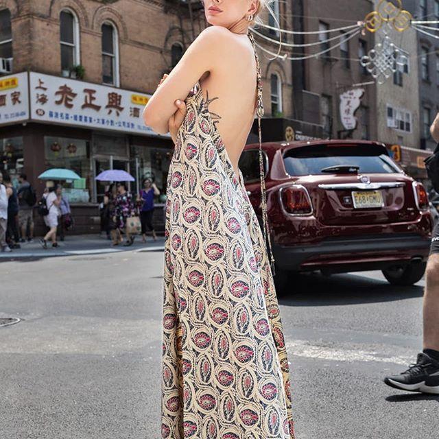 Maxivestido estampado informal Vars Moda China Suarez