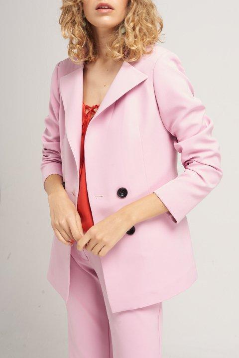 blazer y pantalon rosados mujer Naima verano 2020