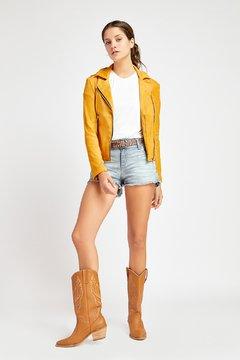 look short con campera de cuero vesna verano 2020