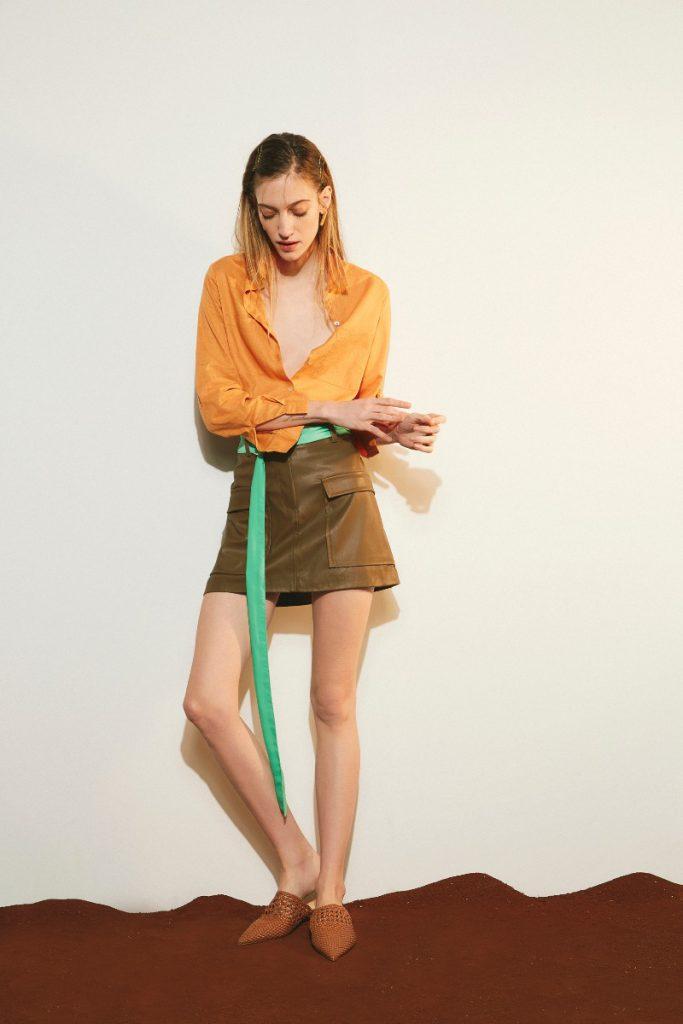 minifalda cuero verano 2020 Delucca