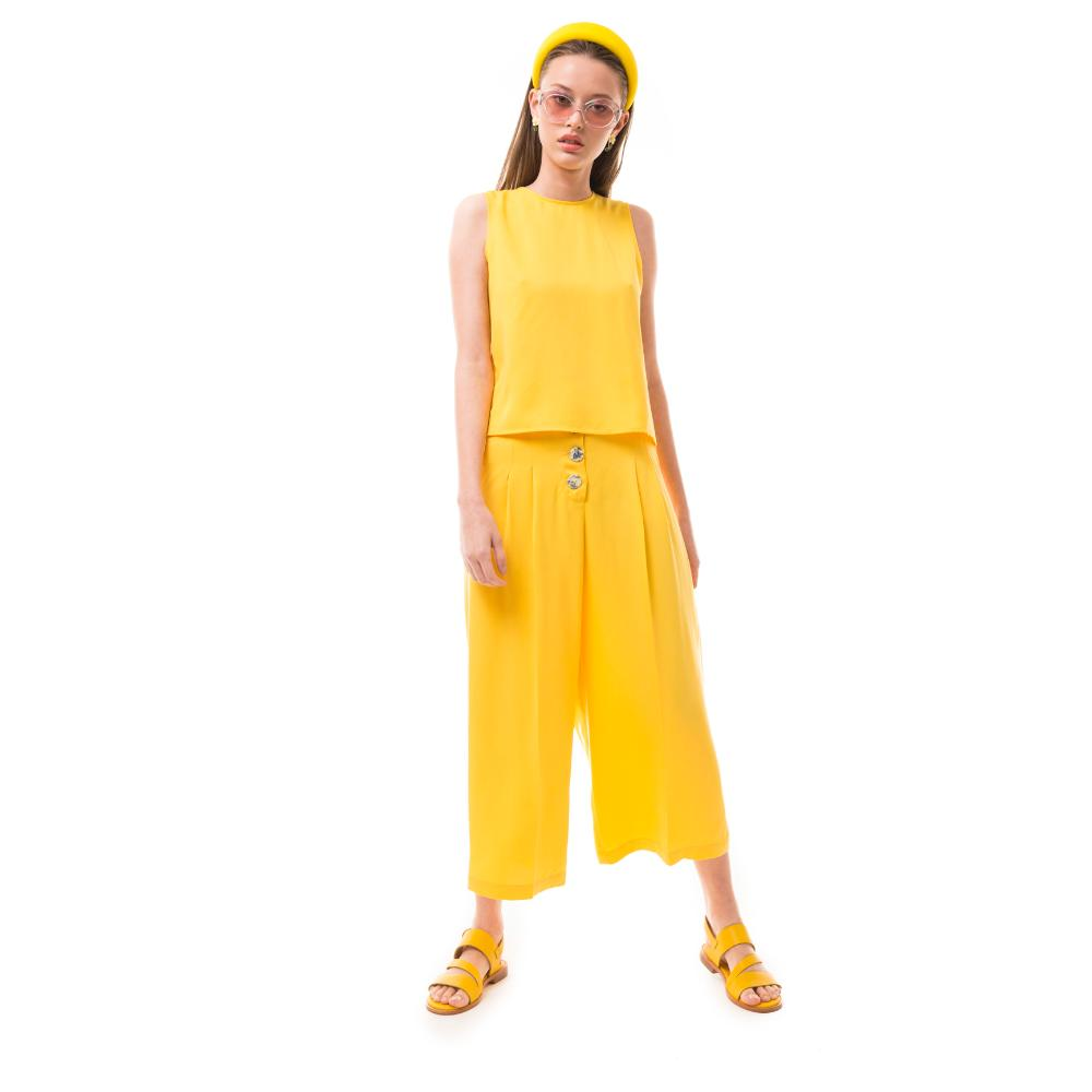 outfit amarillo mujer juvenil las pepas verano 2020