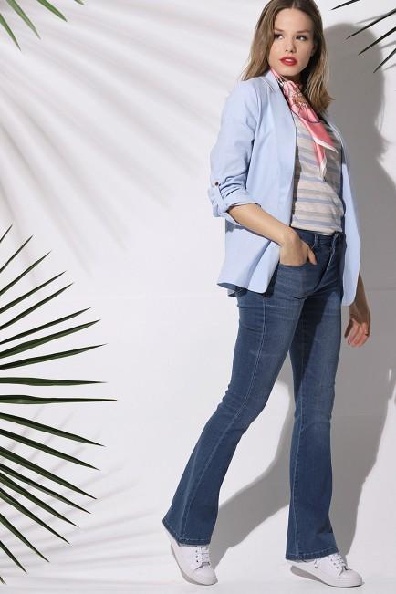 outfit jeans y blazer mujer Brandel verano 2020